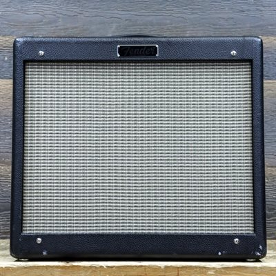 FENDER BLUES JUNIOR IV 15-WATT ALL-TUBE 1X12 GUITAR COMBO AMPLIFIER AVEC PÉDALIER B-780241
