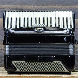 GIULIETTI MODEL S.32 - 120 BASSES 41 TOUCHES 3 TREBLE SWITCH BLACK PIANO ACCORDION AVEC ÉTUI SOUPLE #3848