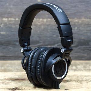 AUDIO-TECHNICA ATH-M50X CLOSED-BACK AVEC BOITE
