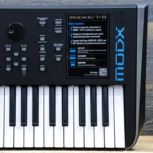YAMAHA MODX6 MUSIC SYNTHESIZER 61-KEY SEMI-WEIGHTED KEYBOARD SYNTHESIZER AVEC BOITE #CANBAP01008