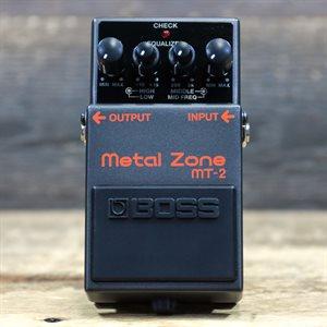 BOSS MT-2 METAL ZONE DISTORTION 3-BAND EQ DISTORTION AVEC BOITE #Z6L0470