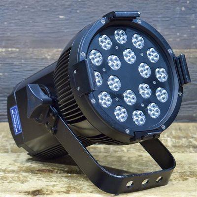 THEATRIXX TECHNOLOGIES X-FOCUS 72 LED FIXTURES 1000W PAR 72 MOD:XFP72300-RGBA-28 AVEC CABLES #16-X7068